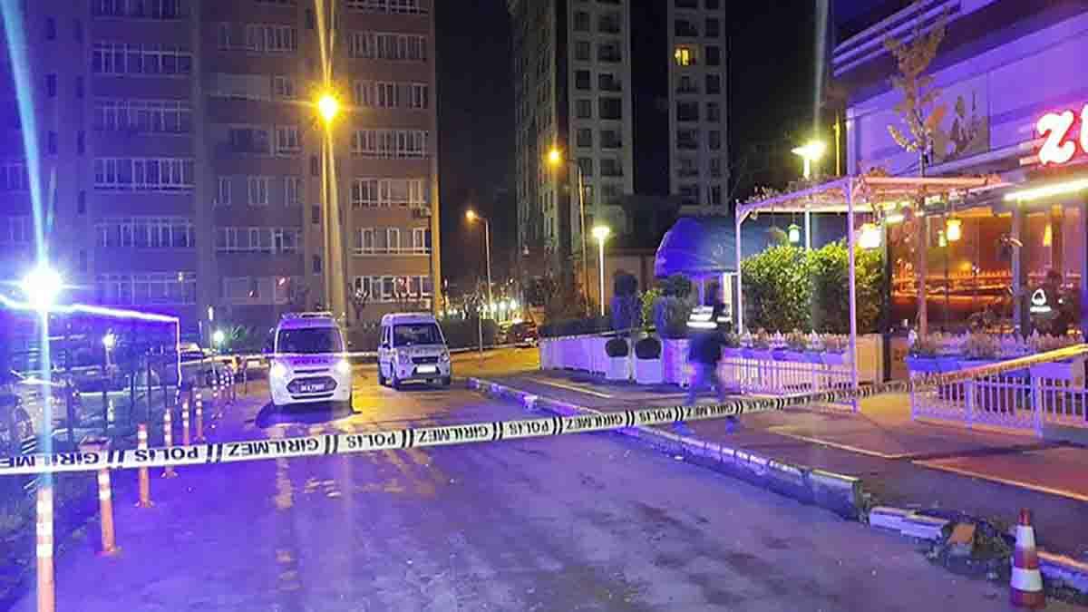 Photo of Beylikdüzü'nde Bir Kafede silahlı saldırı!